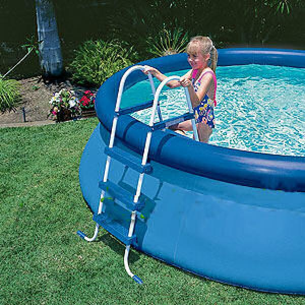 Above ground swimming pool steps intex rudy for Above ground swimming pool ladder parts